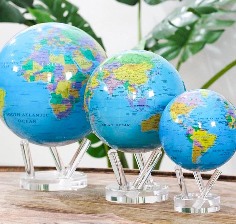 Globe 3 tailles politicals.jpg