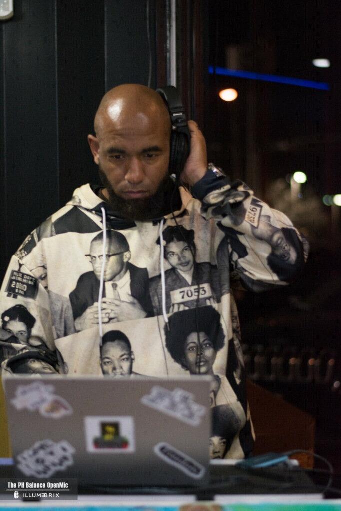 DJ w/Sound