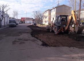 Comenzó la reparación de pavimento en calle Tacuarí