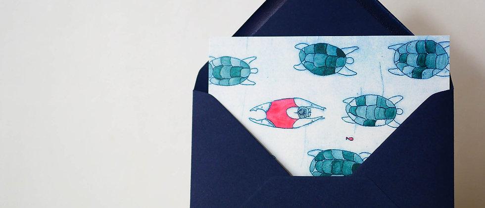 Carte postale « Comme une tortue dans l'eau »
