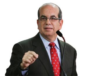 Aníbal Acevedo Vilá reafirma su compromiso con Puerto Rico