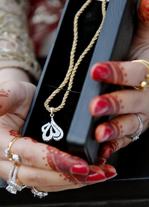 jewellery_bride.jpg