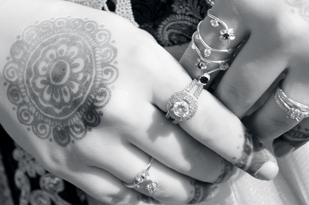 henna_hands.jpg
