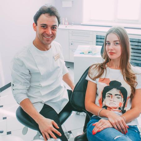Зубной мост или имплантация? Что выбрать для преображения улыбки, объясняет эксперт