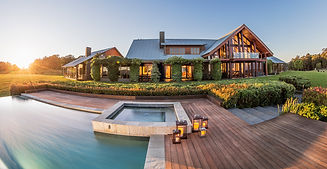 Spicers peak lodge.jpg