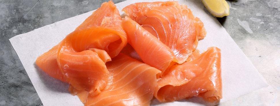 Sliced smoked salmon (250g)