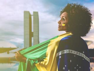"""""""Política não apenas se discute como define os rumos de uma nação"""", diz Marilza Schuina, presidente"""