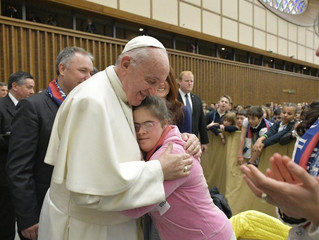 Papa: educar exige amor, confrontar-se com a realidade