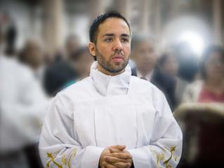 Conheça o diácono transitório e futuro sacerdote Marcos Vinicius Wanderlei da Silva