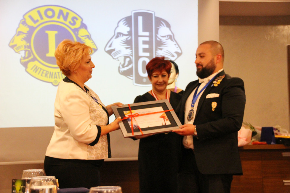 Lions International - LEO Onur Nişanı