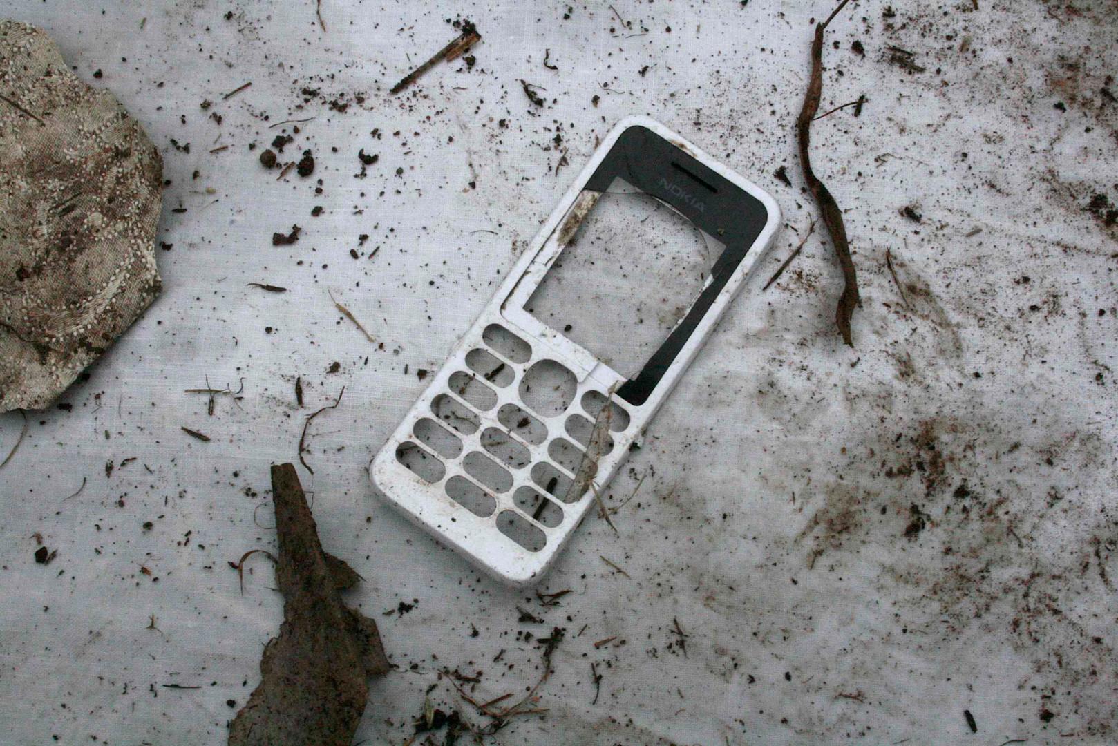 phone rubbish.jpg