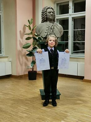 Maddox Bach-Wettbewerb.jpg