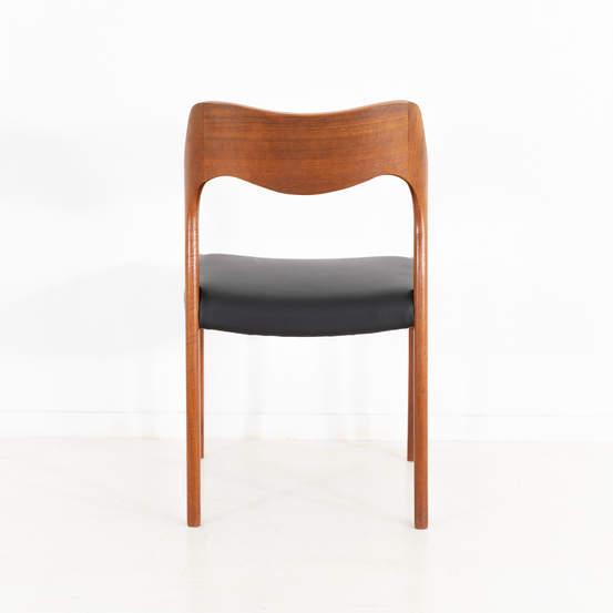 011_004-niels-otto-moller-chair-71-42jp