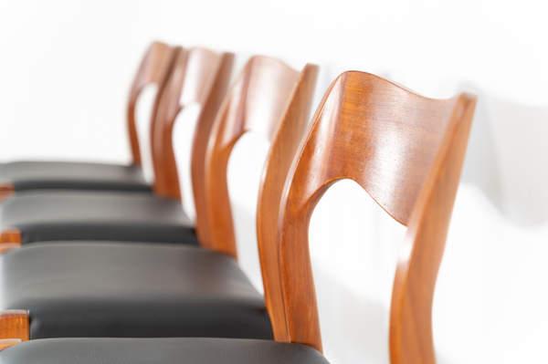 011_004-niels-otto-moller-chair-71-23jp