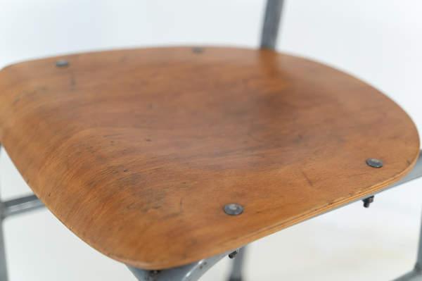 re_008-vintage-school-chair-grey-1-07jp