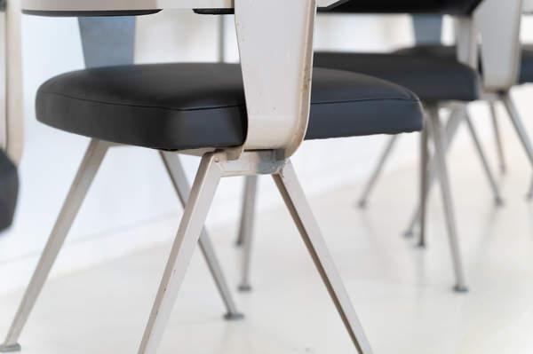 011_019-resort-chair-friso-kramer-09.jpg