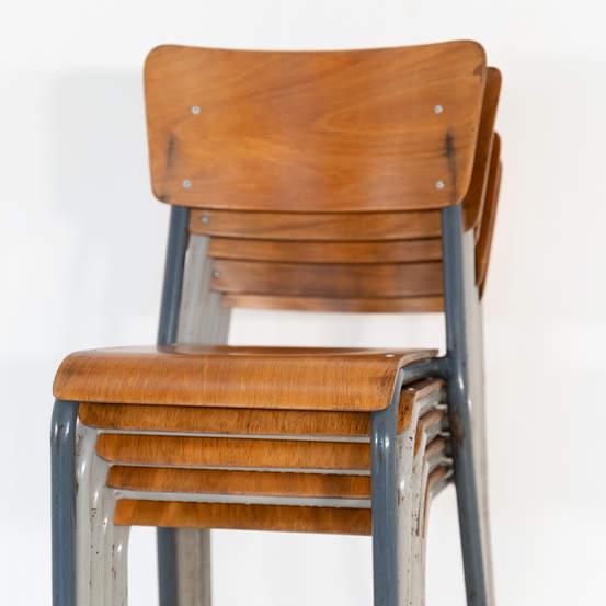 re_010-vintage-school-chair-01jpg