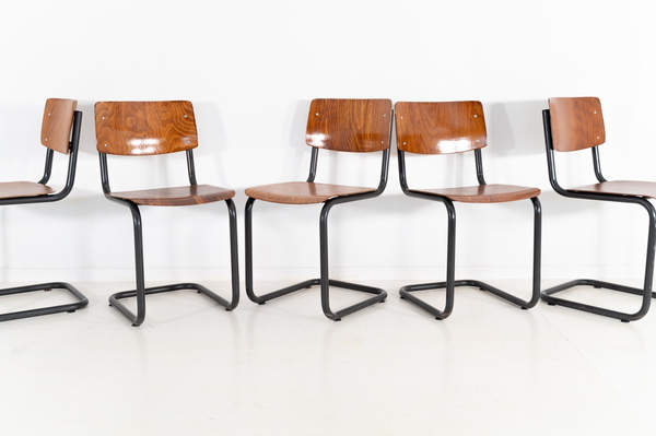 011_016-industrial-cantilever-chair-brow
