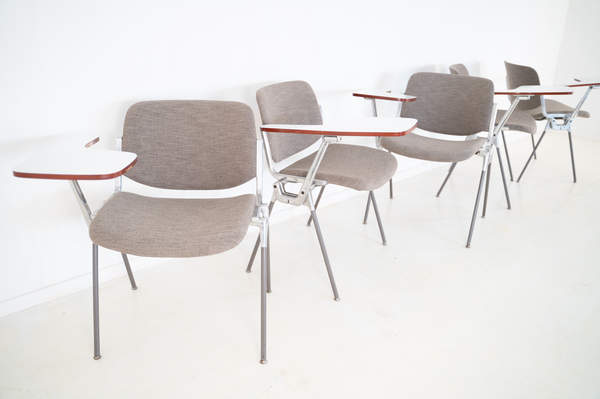 011_008-castelli-chair-with-writing-tabletop-087.jpg