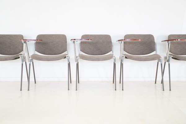 011_008-castelli-chair-with-writing-tabletop-120.jpg