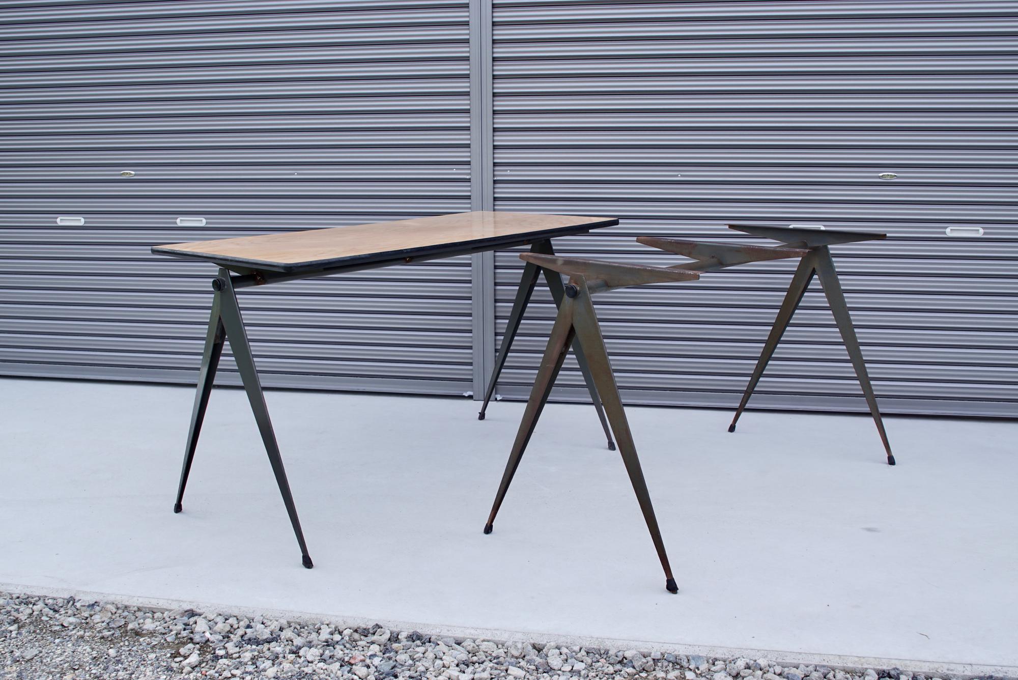 004_008A インダストリアル コンパステーブル - 25