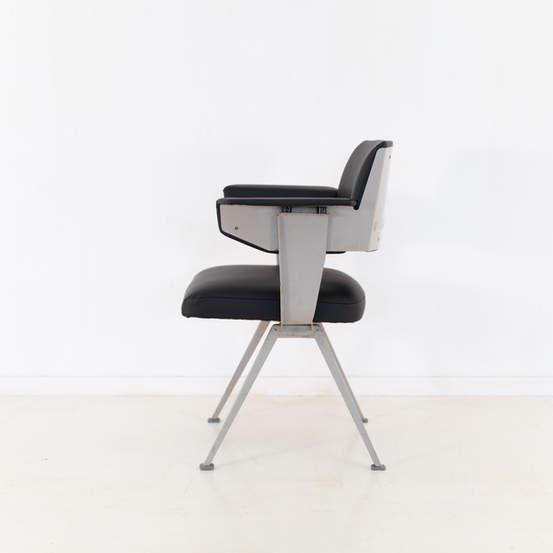 011_019-resort-chair-friso-kramer-46.jpg
