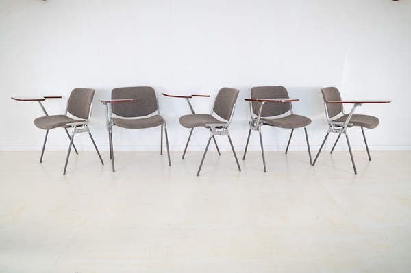 011_008-castelli-chair-with-writing-tabletop-091.jpg
