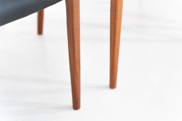 011_004-niels-otto-moller-chair-71-29jp