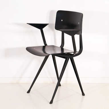 Result chair with armrest 2nd edition black seat