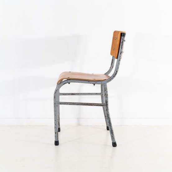 re_009-vintage-school-chair-grey-2-15jp