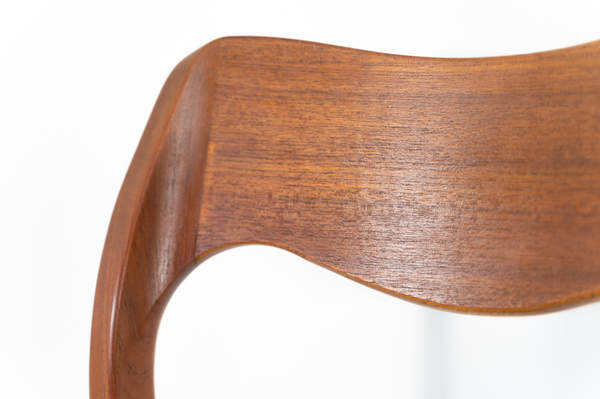 011_004-niels-otto-moller-chair-71-14jp