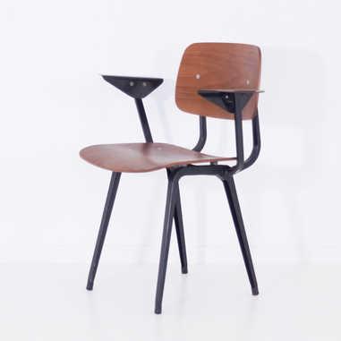 Revolt chair with armrest