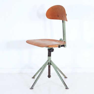 Industrial working stool