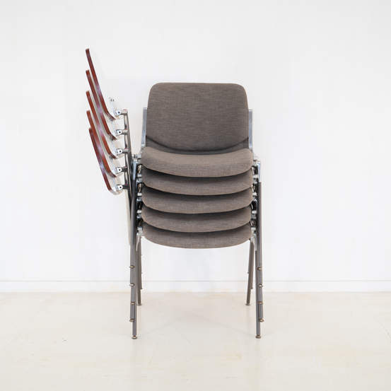011_008-castelli-chair-with-writing-tabletop-078.jpg