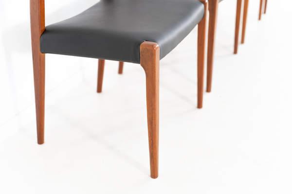 011_004-niels-otto-moller-chair-71-34jp