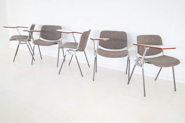 011_008-castelli-chair-with-writing-tabletop-085.jpg