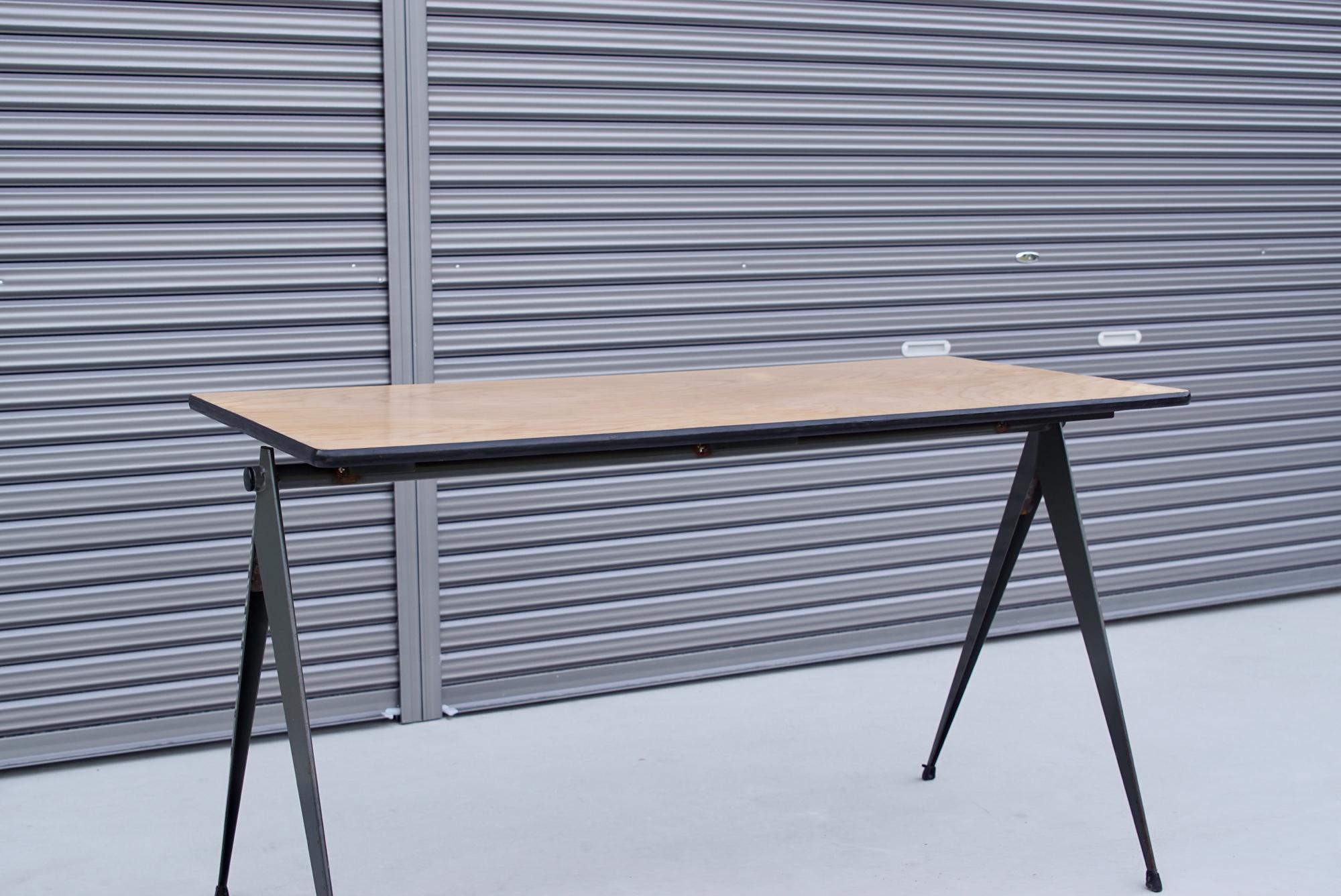 004_008A インダストリアル コンパステーブル - 14