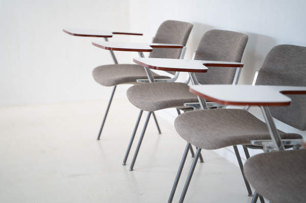 011_008-castelli-chair-with-writing-tabletop-095.jpg
