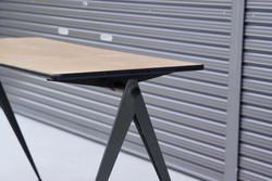 004_008A インダストリアル コンパステーブル - 4