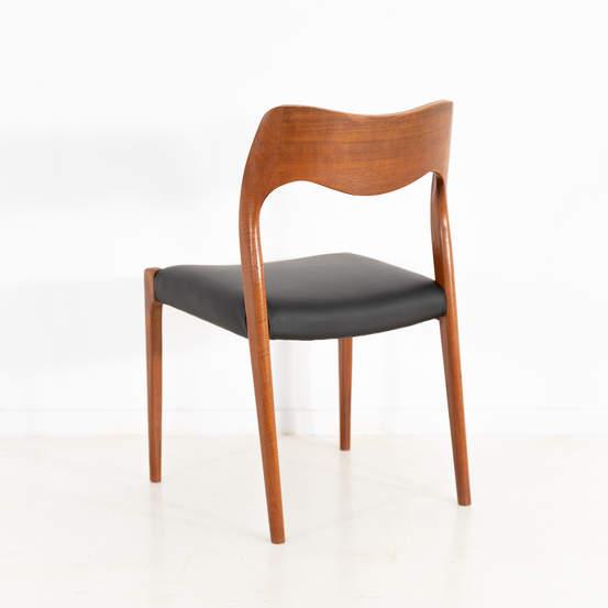 011_004-niels-otto-moller-chair-71-43jp
