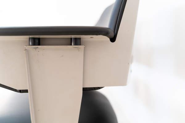 011_019-resort-chair-friso-kramer-27.jpg