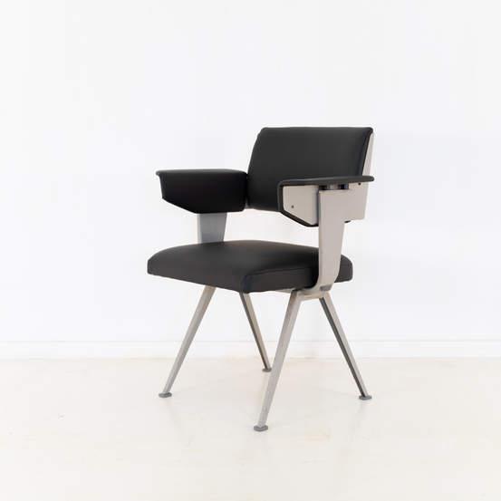 011_019-resort-chair-friso-kramer-47.jpg