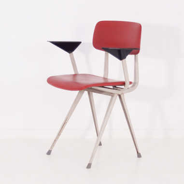 Result chair red with armrest