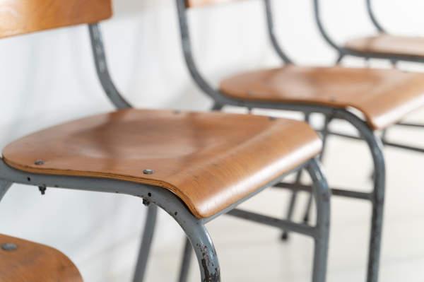 re_009-vintage-school-chair-grey-2-04jp