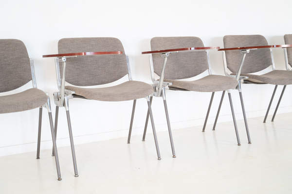 011_008-castelli-chair-with-writing-tabletop-116.jpg