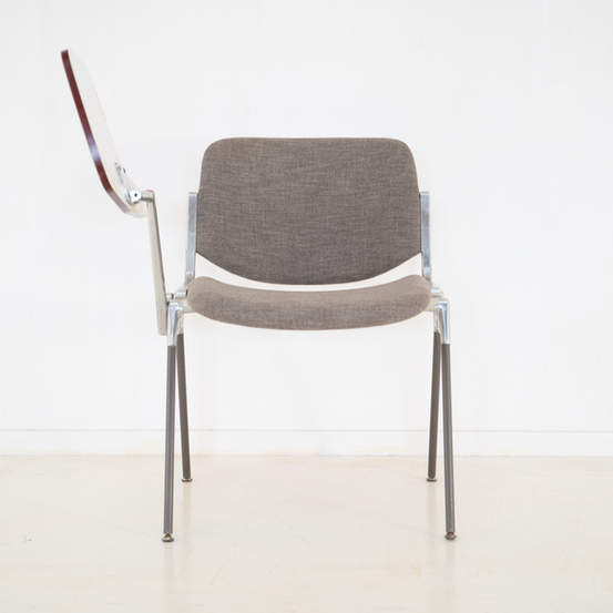 011_008-castelli-chair-with-writing-tabletop-127.jpg