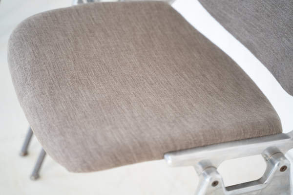 011_008-castelli-chair-with-writing-tabletop-094.jpg