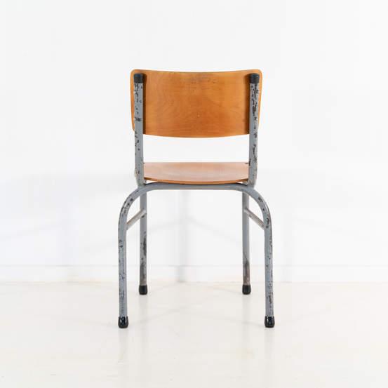 re_009-vintage-school-chair-grey-2-13jp