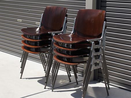 ジャンカルロ・ピレッティ(Giancarlo Piretti)デザイン、カステリチェア(Castelli Chair)の魅力