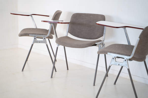 011_008-castelli-chair-with-writing-tabletop-082.jpg